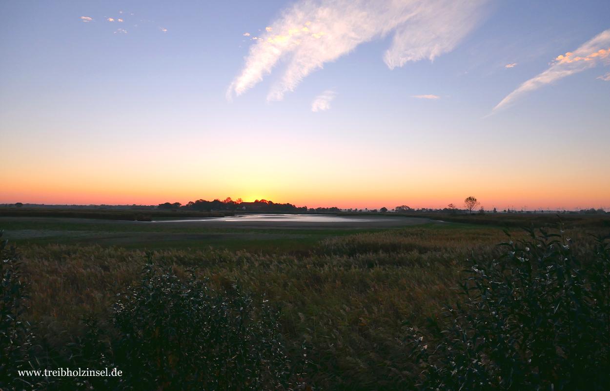 Sonnenaufgang ueber den Hauener Puetten